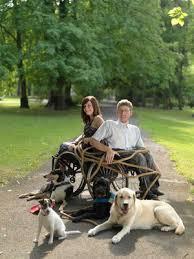 Entfesselt im Rollstuhl